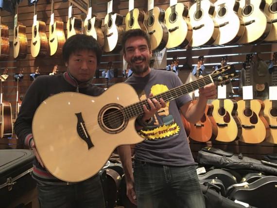 Michel Pellerin, en compagnie du détaillant japonais Miki... (Fournie)