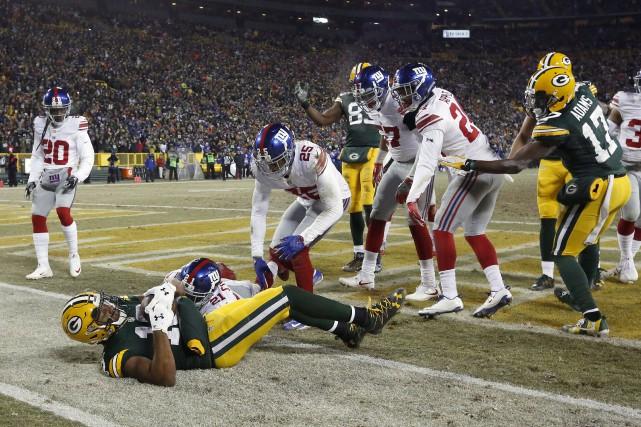 Aaron Rodgers a porté un dur coup aux... (AP, Mike Roemer)