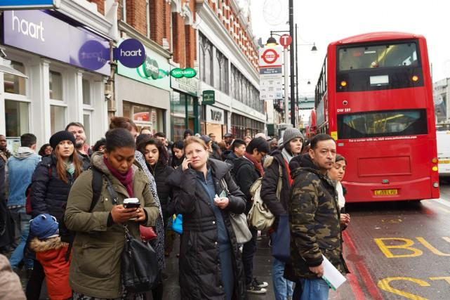 Les Londoniens ont dû se rabattre sur des... (photo NIKLAS HALLE'N, Agence France-Presse)