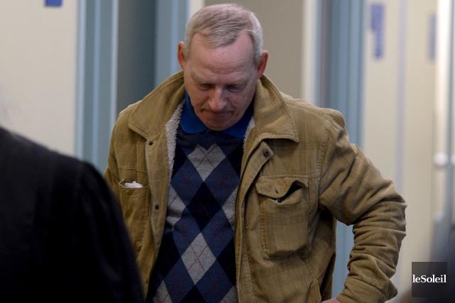 Bert Dow, lundi, au palais de justice de... (Le Soleil, Erick Labbé)