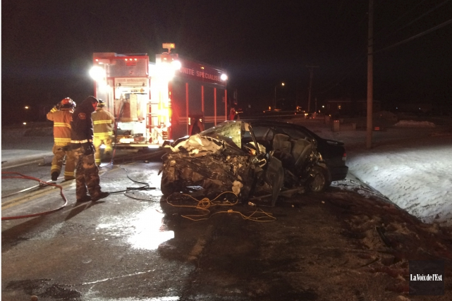 Plusieurs personnes auraient été blessées dans une collision... (Antoine Lacroix, La Voix de l'Est)