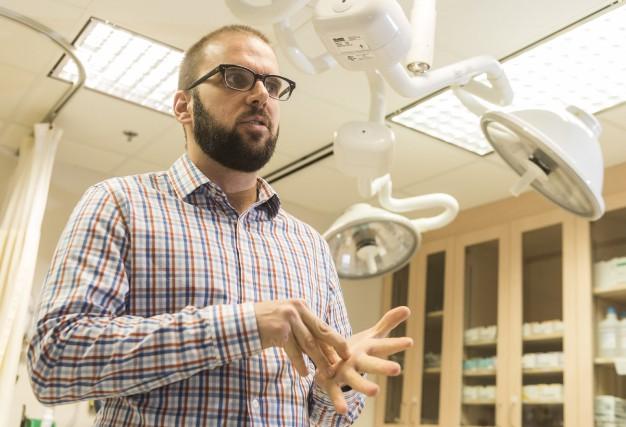 Le Dr François-Xavier Caillé est chef des médecins... (Spectre Média, Frédéric Côté)
