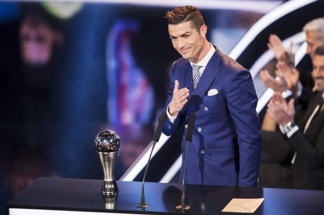 Cristiano Ronaldo a remporté le titre de joueur... (Associated Press)