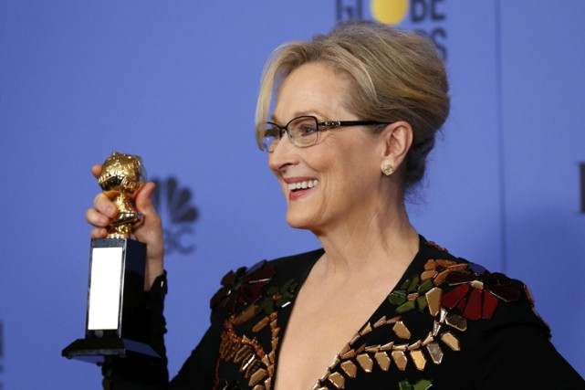Meryl Streep pose avec son prx Cecil B.... (PHOTO REUTERS)