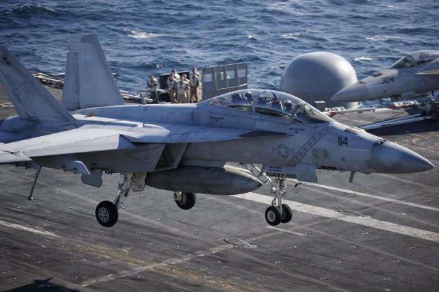 En octobre, le Pentagone a testé un essaim... (PHOTO AP)