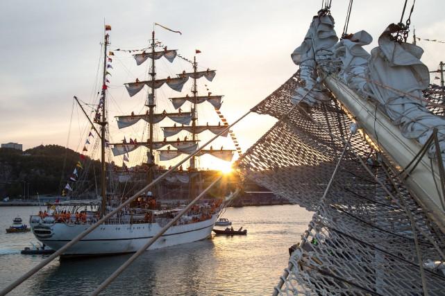 Des 40 grands navires impliqués dans le Rendez-vous... (Photo: Sail Training International 2015©)