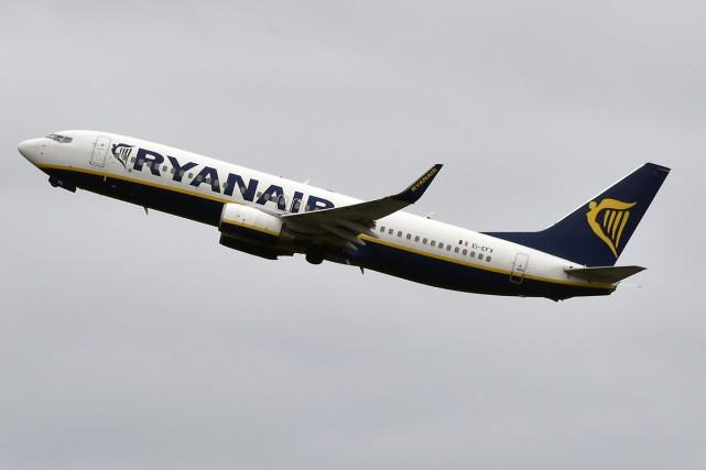 Malgré un nouveau record en 2016, Lufthansa a perdu son rang de premier... (PHOTO ARCHIVES AFP)