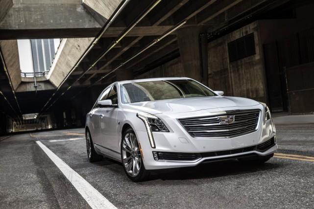 La version hybride de la CT6 est seulement... (Photo : Cadillac)