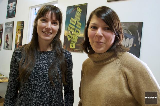 Mélissa Bouchard, directrice de la programmation et Marie-Elaine... (Photo Le Quotidien, Yohann Gasse)
