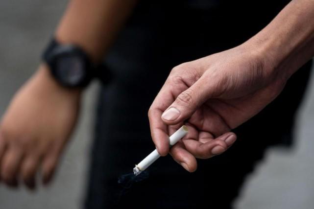La consommation de tabac tue plus de 7 millions de personnes chaque année dans... (Archives AFP)