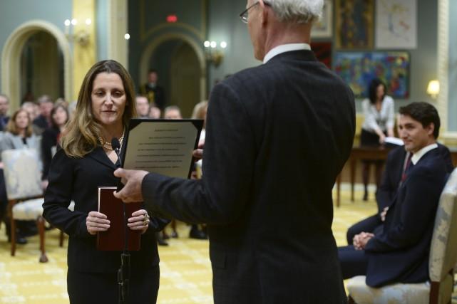 Chrystia Freeland monte en grade pour remplacer Stéphane... (La Presse canadienne, Sean Kilpatrick)