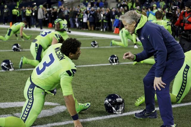 L'entraîneur des Seahawks de Seattle, Pete Carroll (à... (AP)