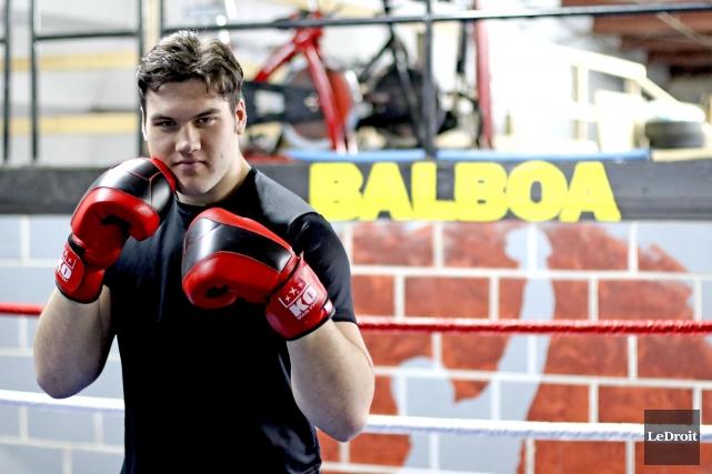 Le boxeur Fabrice Thibeault s'est mesuré au redoutable... (Patrick Woodbury, Le Droit)