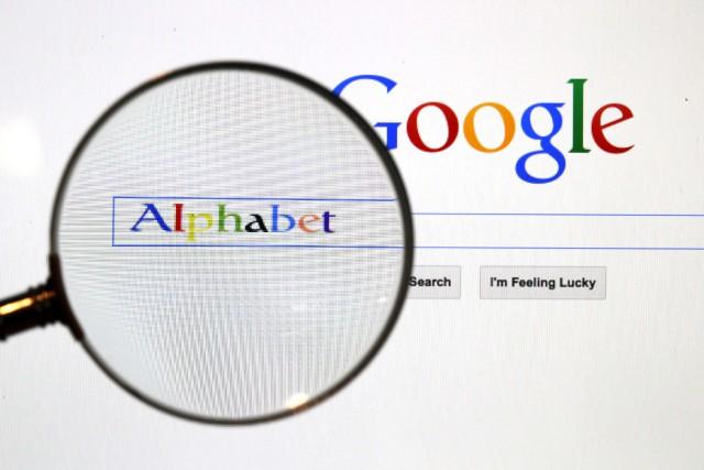 Alphabet, la maison mère de Google, a renoncé à un projet visant à utiliser des... (PHOTO Pawel Kopczynski, ARCHIVES REUTERS)