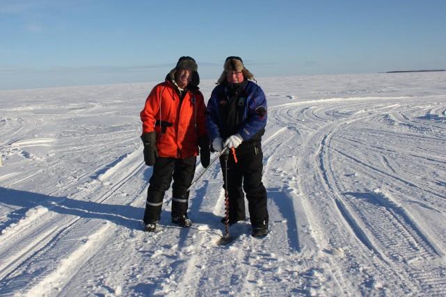 La glace n'est pas encore assez épaisse du... (Photo courtoisie)