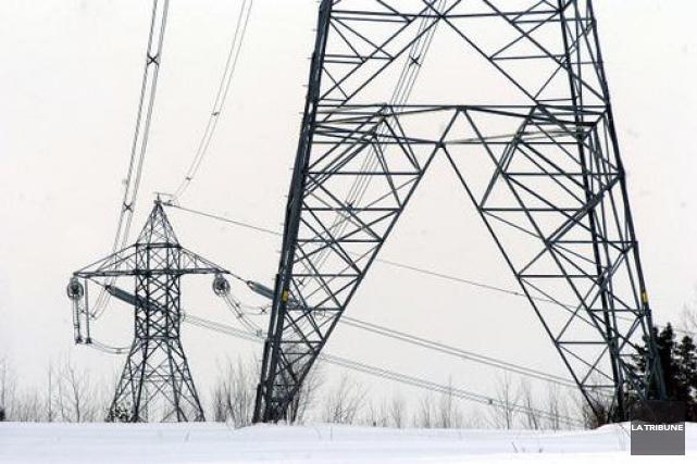 Jusqu'à 4000 clients d'Hydro-Québec en Estrie ont simultanément... (Archives, La Tribune)
