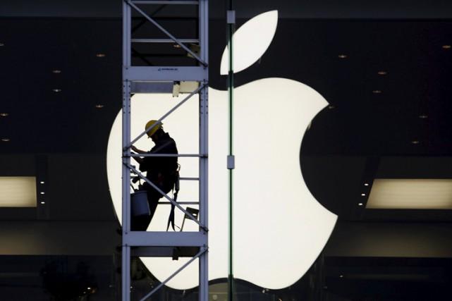 Le groupe informatique Apple va devoir répondre devant la justice américaine... (PHOTO REUTERS)