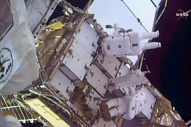 L'astronaute françaisThomas Pesquet et son collègue américain Shane... (NASA TV via AFP)
