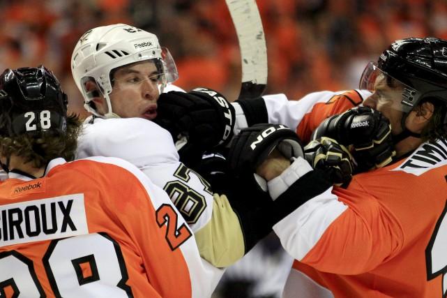 La rivalité entre les Flyers et les Penguins... (Archives, Associated Press)