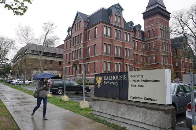 Les professeurs de l'Université Dalhousie ont notamment reconnu... (Photo Darren Pittman, Archives La Presse Canadienne)