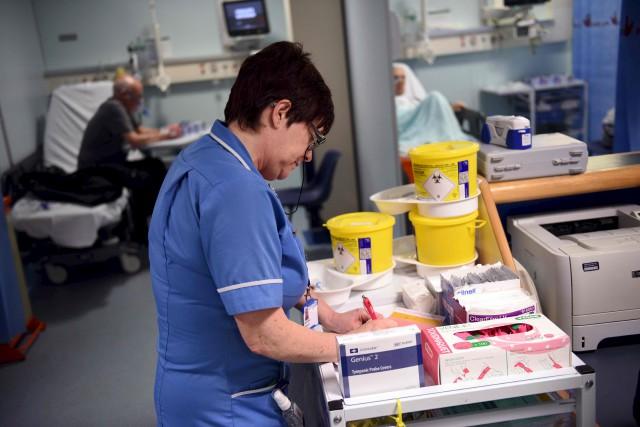 Le NHS est un modèle en crise, confronté... (AFP)