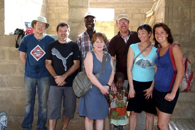 Charles-Élie Carrier, Louis Chabot, Suzanne Bernier, Yves Carrier,... (Fournie par la Congrégation des soeurs de Notre-Dame du Perpétuel  secours)
