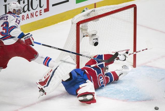 Trois jeux ont dû être revus dans le... (La Presse canadienne, Graham Hughes)