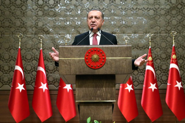 L'opposition accuse M. Erdogan de mettre à profit... (PHOTO REUTERS)