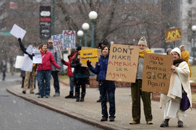 Des dizaines de manifestations en soutien à l'Obamacare... (PHOTO AFP)