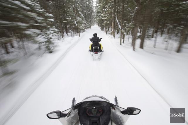 UrgenceSauvetage Québec possède deux motoneiges, deux véhicules tout... (Photothèque Le Soleil)