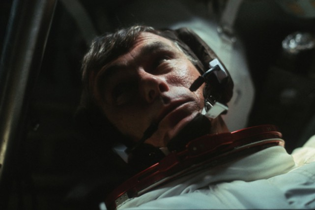 Gene Cernan dans la capsule Apollo 17 en... (ARCHIVES REUTERS)