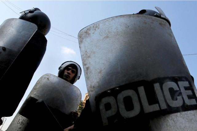 Huit policiers égyptiens ont été tués lundi soir dans l'attaque d'un poste de... (ARCHIVES REUTERS)