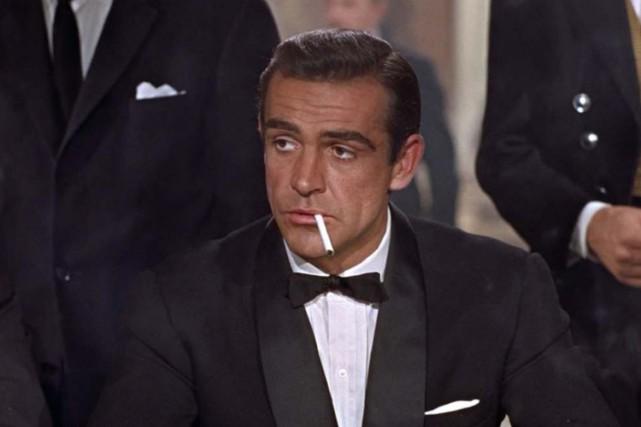 James Bond fumait surtout dans les années 1960... (Wikicommons)