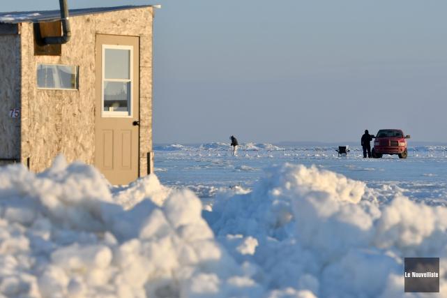 La pêche blanche est commencée depuis peu au... (Stéphane Lessard, Le Nouvelliste)