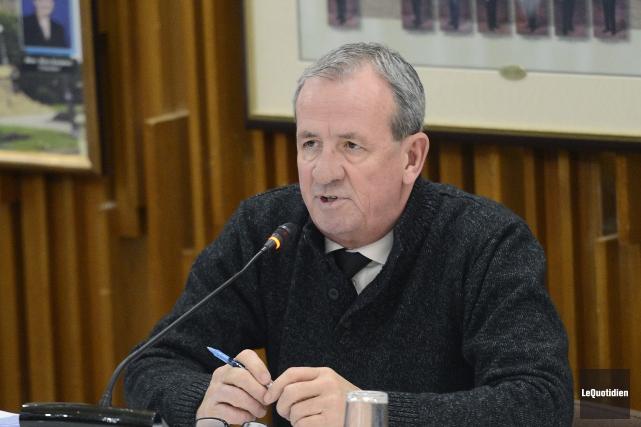 À l'issue de la séance publique du conseil,... (Archives Le Quotidien, Jeannot Lévesque)