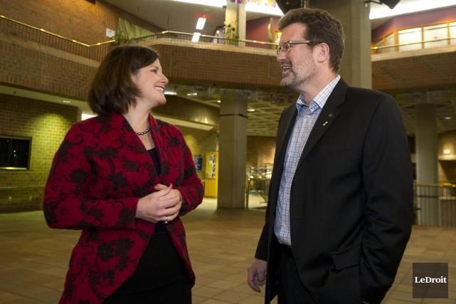 La ministre responsable de l'Outaouais, Stéphanie Vallée, et... (Martin Roy, Archives Le Droit)
