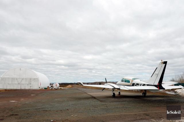 L'école de parachutisme ParaQc a opéré de 2012... (Photothèque Le Soleil, Erick Labbé)