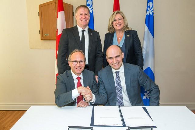 L'annonce en a été faite par le ministre... (Ville de Laval via Groupe CNW)