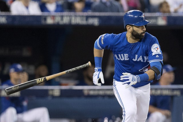 Jose Bautista toucherait un salaire de 18 millions $... (Photo Mark Blinch, PC)