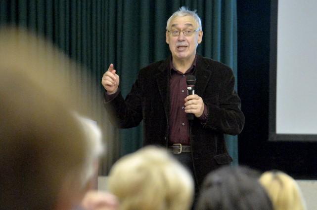Spécialiste de la politique américaine, le professeur retraité... (Spectre Média, Maxime Picard)