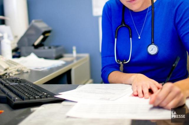 Les médecins québécois «accaparent une part disproportionnée des... (Archives La Presse)