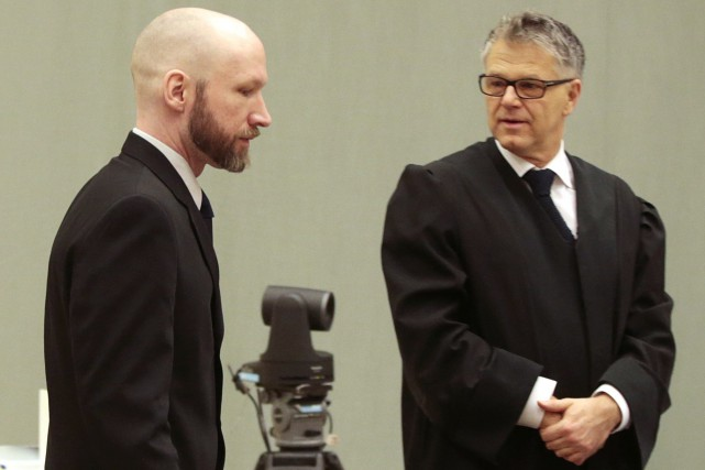 Anders Behring Breivik et Oystein Storrvik.... (Photo Lise Aaserud, archives NTB scanpix via AP)