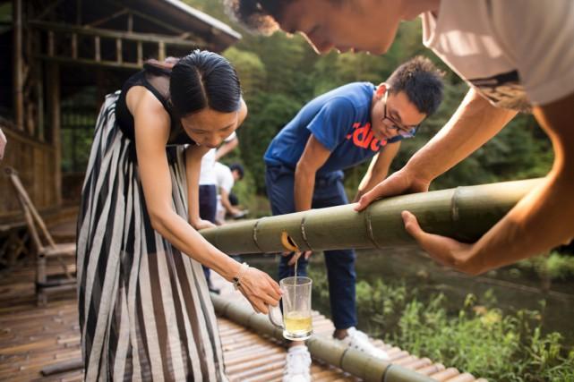 À défaut de fût de chêne, un fabricant de liqueurs chinois fait vieillir son... (PHOTO AFP)