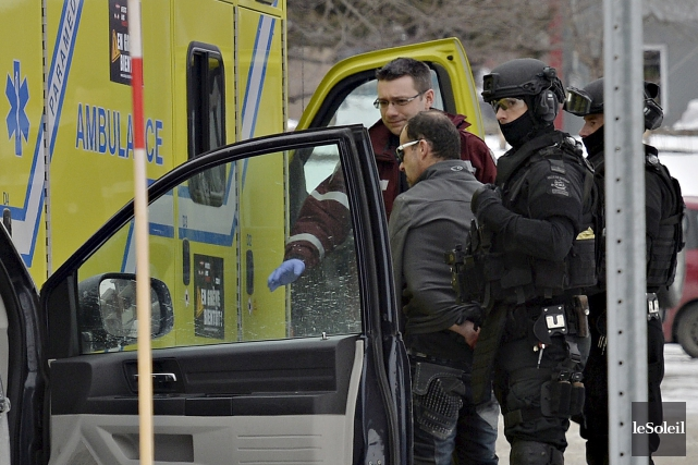 Les policiers de Québec ont finalement convaincu un... (Le Soleil, Pascal Ratthé)
