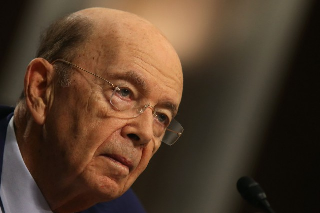 Wilbur Ross... (PHOTO CARLOS BARRIA, REUTERS)