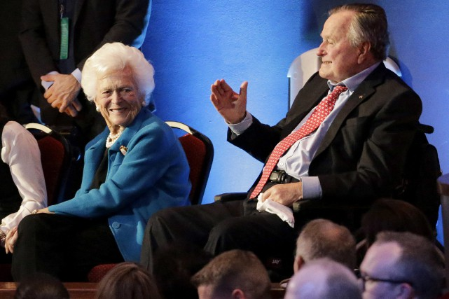 Barbara et George H. W. Bush... (PHOTO ARCHIVES AP)