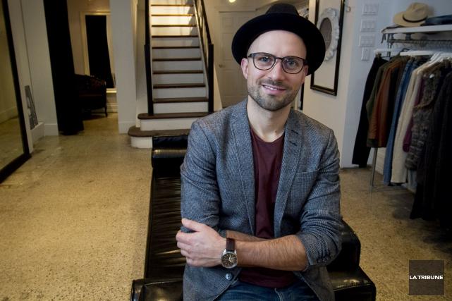 Le propriétaire de la boutique Glori.us, Jean-François Bédarddémissionne... (Archives, La Tribune)