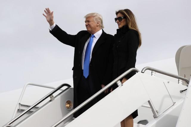 Donald et Melania Trump lors de leur sortie... (Photo Evan Vucci, Associated Press)