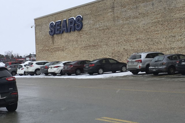 Six événements d'action indécente commis au Sears du... (Archives, La Tribune)