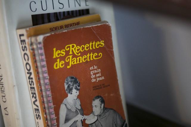 CHRONIQUE /Confession : ma bibliothèque de salle à manger croule sous les... (Spectre Média, René Marquis)